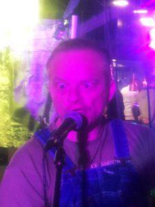 Mark in trance tijdens de Bokkentocht Heiloo 2018